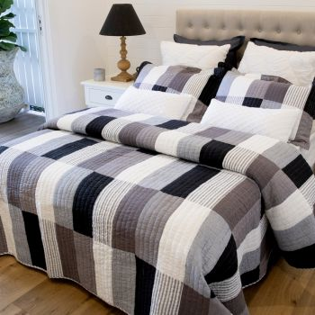 Sean Double Quilted Bedspread Set