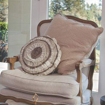 Ruffle Round Prefilled Cushion