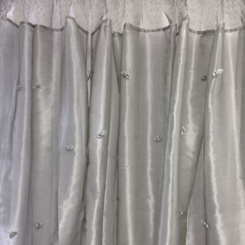 Set of 2 Organza Lace Curtains 110x220cm