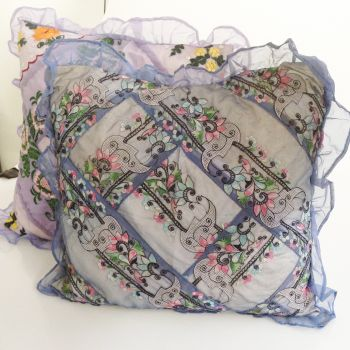 Square Pre-filled Cushion